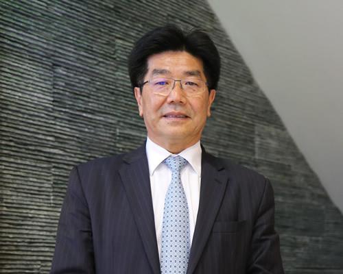 Dr Ven Tan